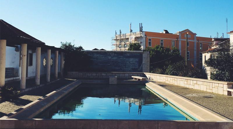 lisbonne-batiments-piscine-04-2016