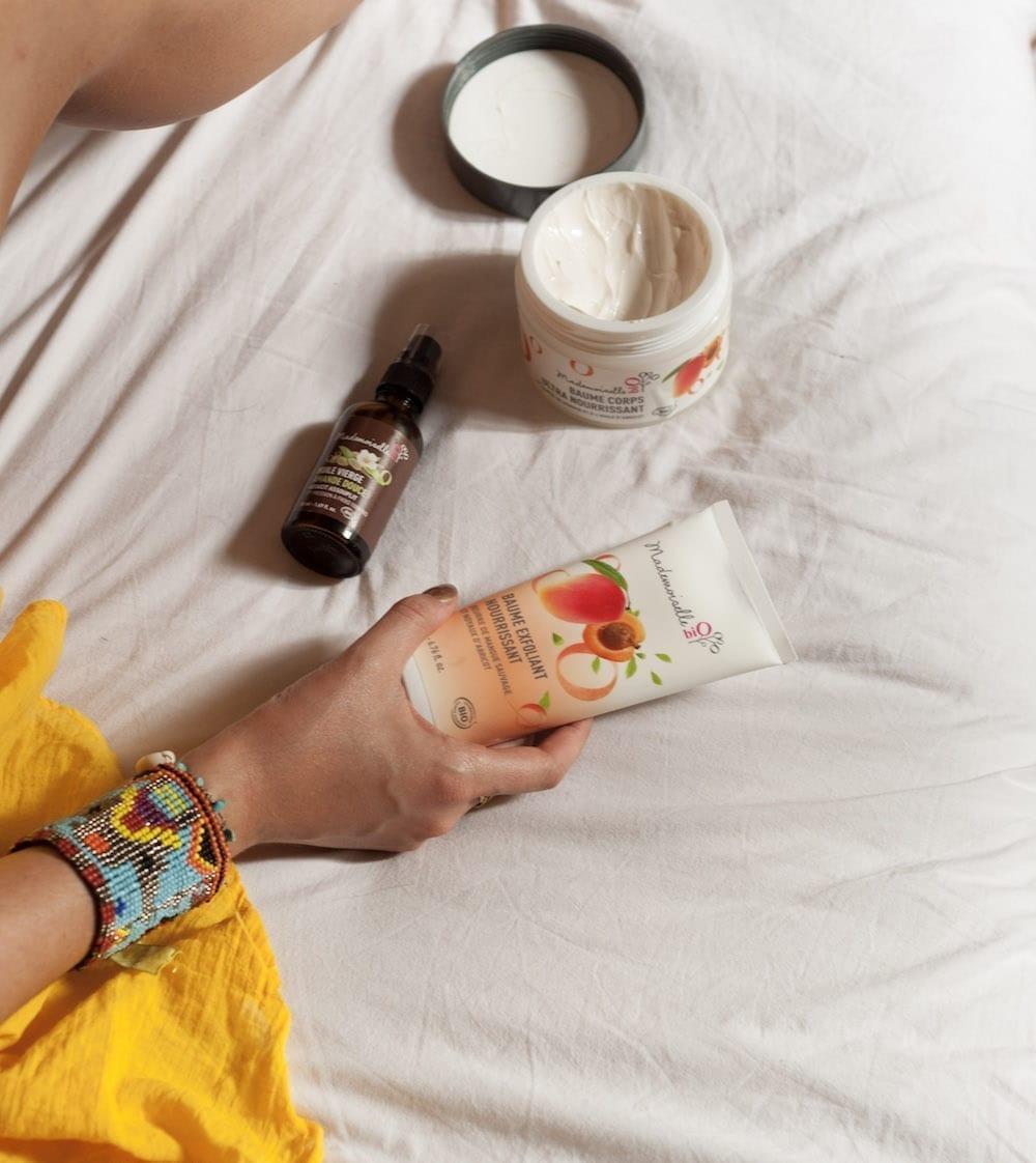 routine de soins pour des jambes toutes douces cha 39 s hands. Black Bedroom Furniture Sets. Home Design Ideas