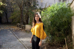 Couture : crop top en soie jaune
