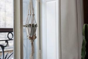 DIY : créer une suspension macramé