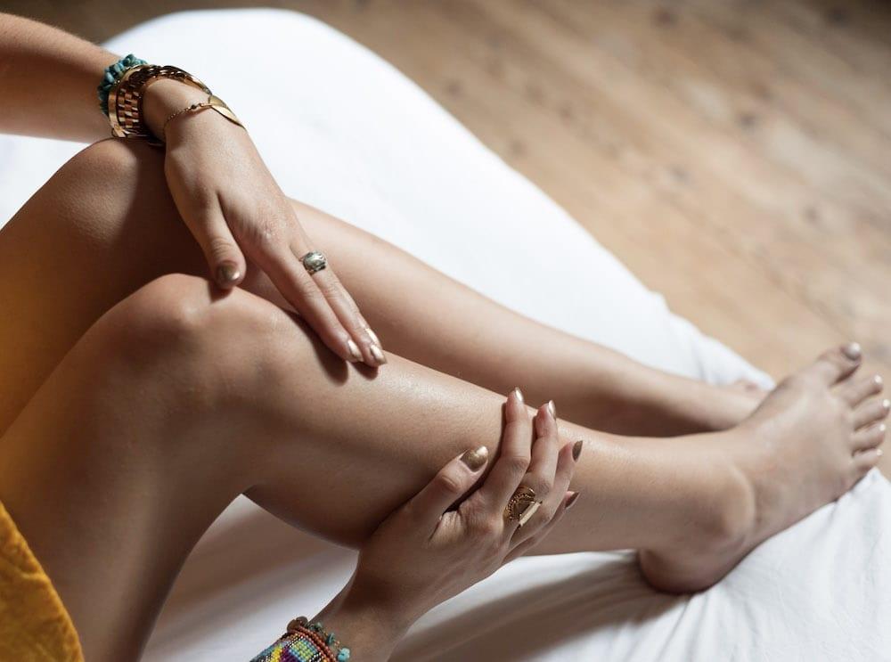 Jambes douces avec Mademoiselle Bio