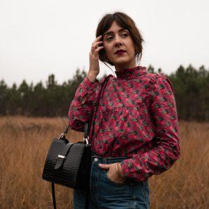 Coudre la blouse Louise Mum d'Ikatee dans le Liberty Little Eustacia
