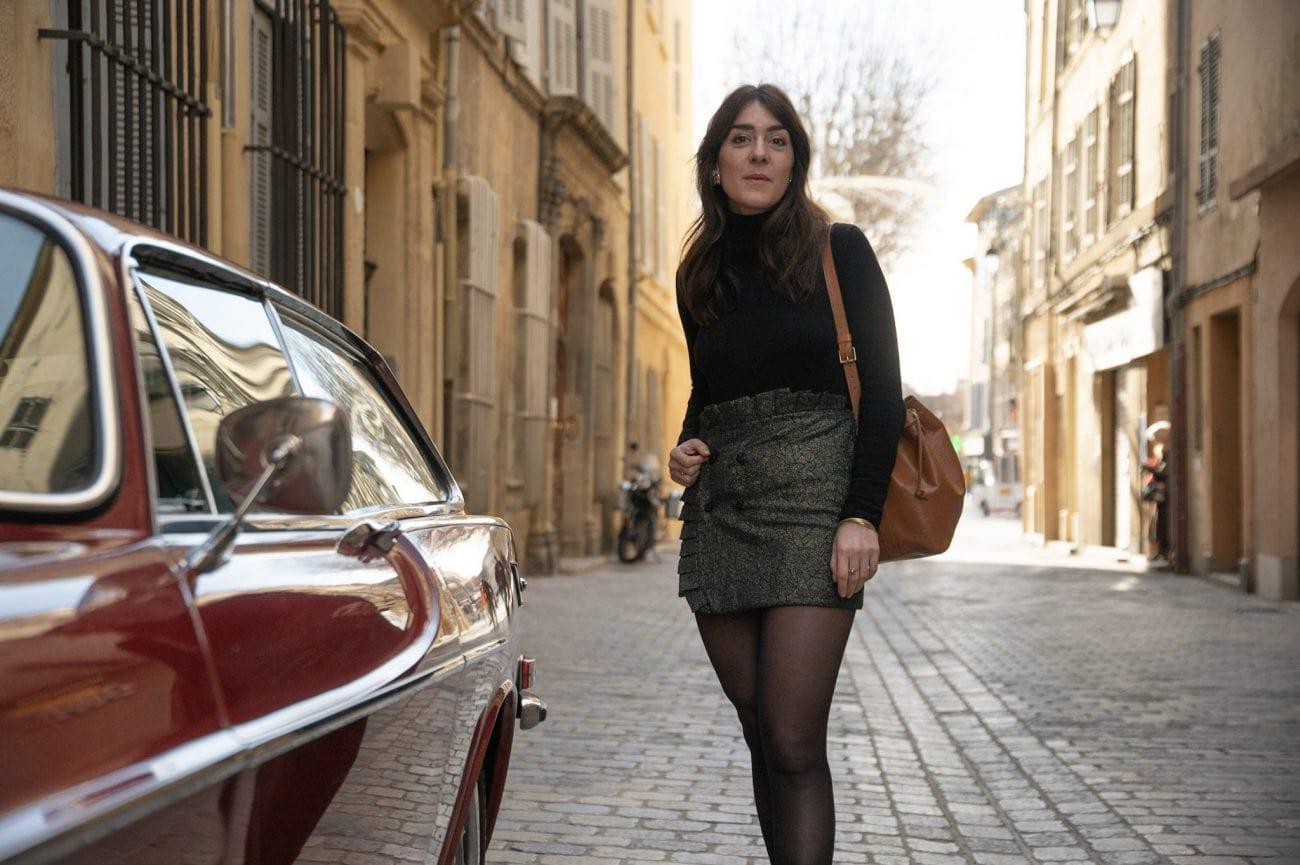 Coudre une jupe portefeuille en jacquard à volant
