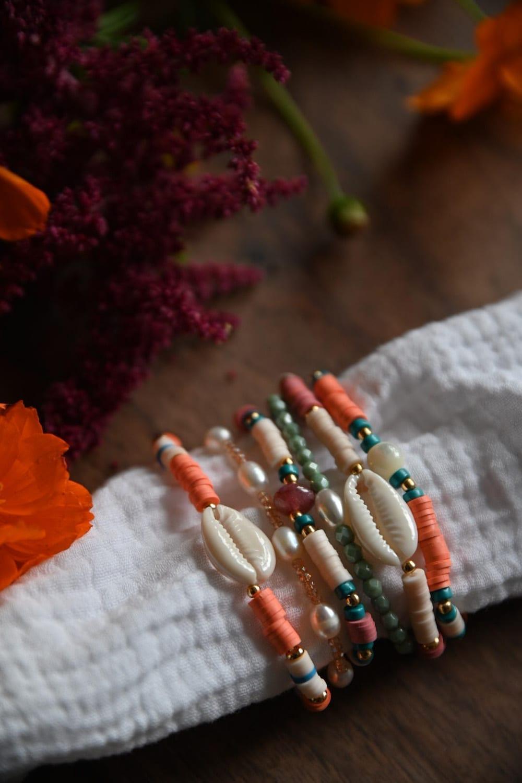 DIY : réaliser des bracelets en perles Heishi pour l'été